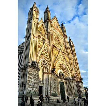 """Orvieto Cathedral"" Sunday 6 Dec. 2015 Umbria Amazing_italy Italy Italia Italianarchitecture Architecture Topeuropephoto Top_italia_photo Incredible_italy Travel Instagood Photooftheday Instatravel Photobydperry WP Fb Discoverglobe Repostromanticitaly"