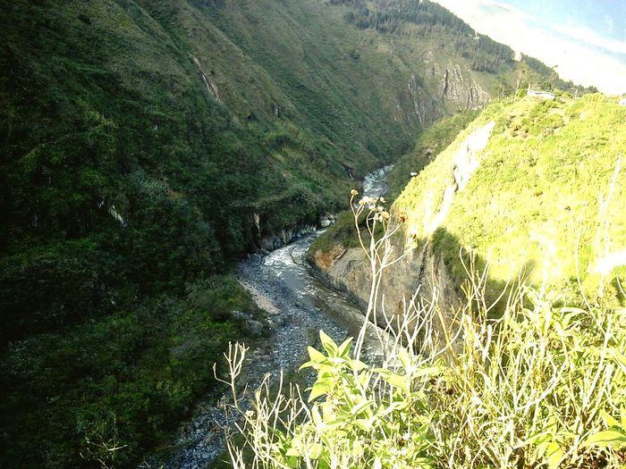 Baños De Agua Santa Rio-Pastaza k mono..!!