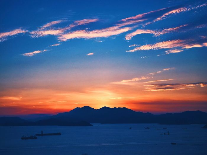 Sky Sunset Beauty In Nature Tranquility Tranquil Scene Sea Mountain Cloud - Sky Mountain Range Lost In The Landscape