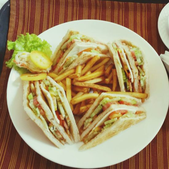 Had been supremely starved to hogg the delicious club sandwich! Mumbai sandwich almost killed my love for th3 tastiest savoury item on Earth! Enjoying A Meal