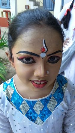 The Portraitist - 2016 EyeEm Awards From My Point Of View Girl Potrait Dancer Capture The Moment Coustume Calicut Faces Of Eyem Photogallery Shooting Strangers Smile ✌ Child Children's Portraits Child Photography Photography