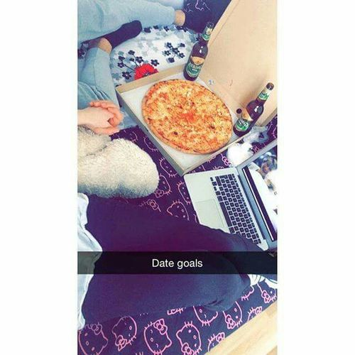 Salut Mes Amis Food And Drink Food High Angle View Indoors  Human Body Part Pizza One Person Ready-to-eat Healthy Eating Freshness People Day Fast Food Pizza Box One Man Only Close-up Human Hand Only Men First Eyeem Photo