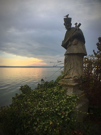 Sculpture Sky Outdoors Sunset Travel Destinations Statue Cloud - Sky IPhone 6 📷 Horizon Over Water