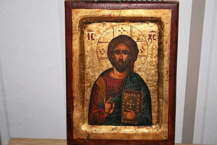 Unsre Leben mit Gott Gott Und Die Wel Indoors  Male Likeness Maria Mit Klein Jesus Religion Sculpture Spirituality Statue