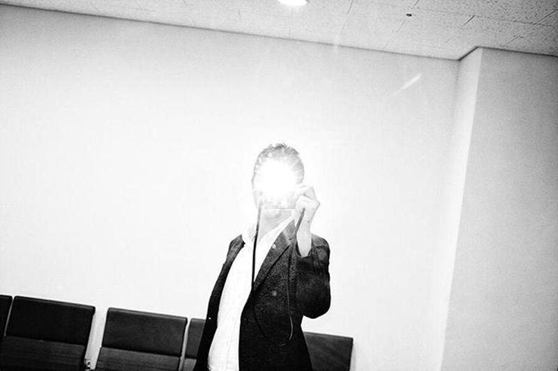 Goodmorning Photography Blackandwhite Selfie Flash 자꾸 셀카 못찍는다길래 ㅎㅎ :)