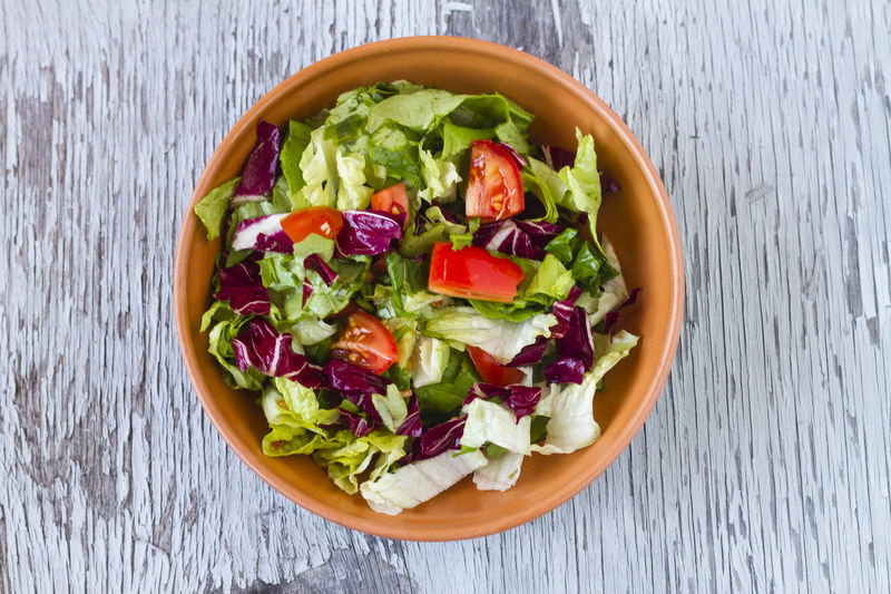 Salad Tomatoes Bowl Food Food And Drink Diet Dietfood Wood