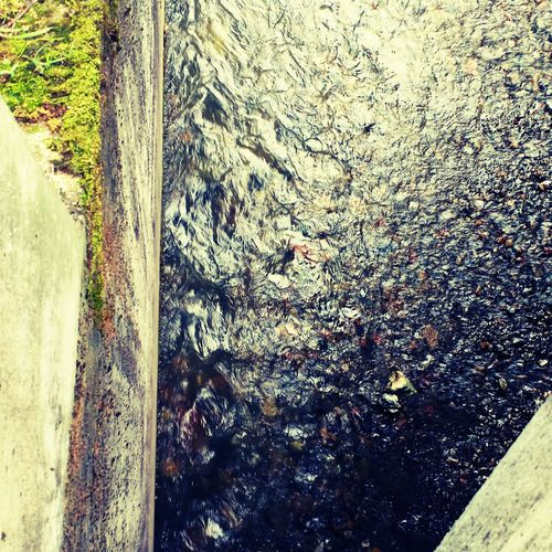 Looking Down Water_collection Creek Angles Concrete Wall Beautiful Nature Taking Photos OVER THE WALL Fear Of Heights Eye4photography  Eyemphotography Outside Photography EyeEm Best Shots Check This Out Virtigo Eyemphotos EyeEm Gallery Clarity Water Rippled
