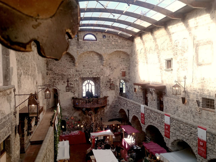 Architecture Built Structure Castello Castle Castle Market, Ceiling Christmas Christmas Market Christmas Market Stand Christmastime Clock Day Illuminated Indoors  Large Group Of People Medioeval Cities Men People Real People Xmas Xmas Market