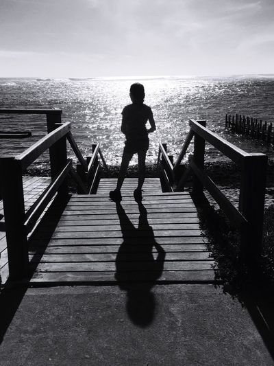 Blackandwhite Black And White Black & White Blackandwhite Photography Black And White Photography Sunny Day Travel EyeEm Nature Lover Capture The Moment Water Sky Sun Beach Balancing Elements Travel Photography Original Photography Taking Photos EyeEm Gallery IPhone Photography Street Photography Beach Photography Children Photography Shadows & Lights The KIOMI Collection The Great Outdoors - 2016 EyeEm Awards Following