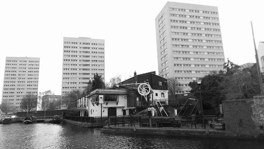Pub Canal Apartments Blackandwhite