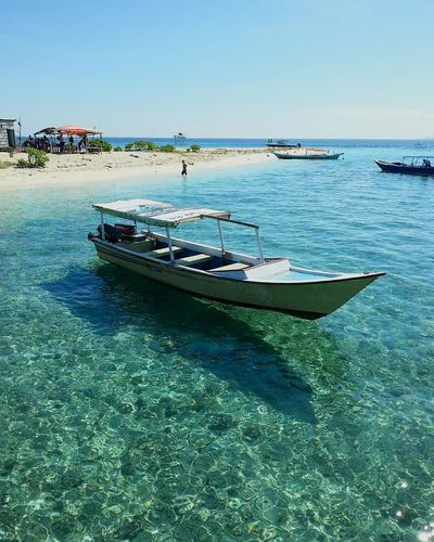 Kodingareng Keke Island, located 30 minutes from Makassar in Sulawesi. This beautiful island offers pristine white sand beaches and crystal clear waters for snorkeling and diving. Also available for day trips too. Tripofwonders Wonderfulindonesia INDONESIA Sulawesi Makassar Photography Stockphoto Check This Out Enjoying Life Beach Island Landscape Landscape_Collection Landscape_photography Beaches Of The World Islandstyle