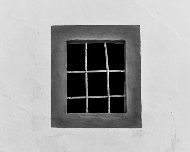 Frame It! Framed Architecture Blackandwhite Window Blackandwite Blancoynegro Building Exterior Site_historique Casual Clothing Building Exterior Built Structure Day Framed Shot Rectangle Rectangle Shape Rectangle Shape Pattern Wall With Window Window Window Frame