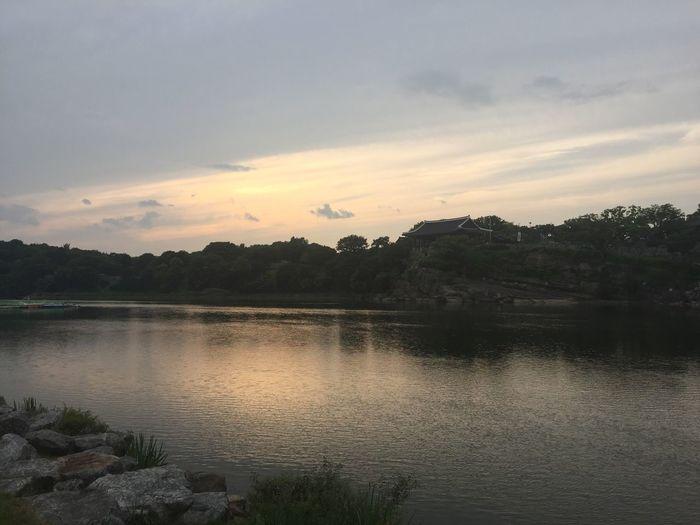 #Jinju, #korean house, #namgang,#nam river 남강 진주 진주성 Jinju Castle Korean House Chinju Jinjusi Jinju Namgang Nam River Water Sky Scenics - Nature Tranquil Scene Reflection Tranquility Cloud - Sky