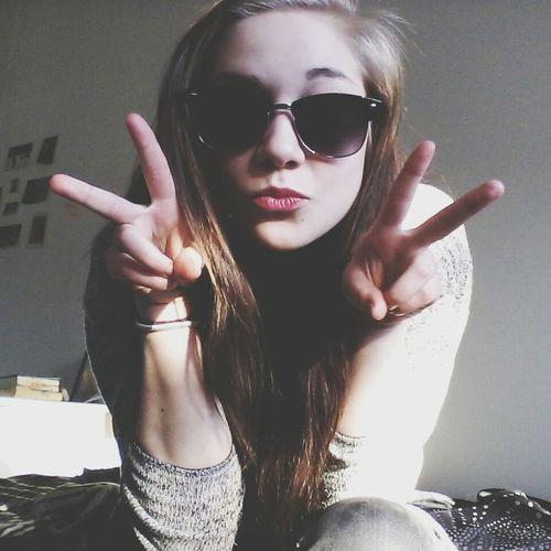 That's Me Enjoying Life Sunglasses Fun Peace ✌