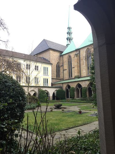 Architecture Building Exterior Built Structure Spirituality Religion Place Of Worship Grass Outdoors Cathedral Germany Stadtessen Travel Destinations Tree Day Sky No People