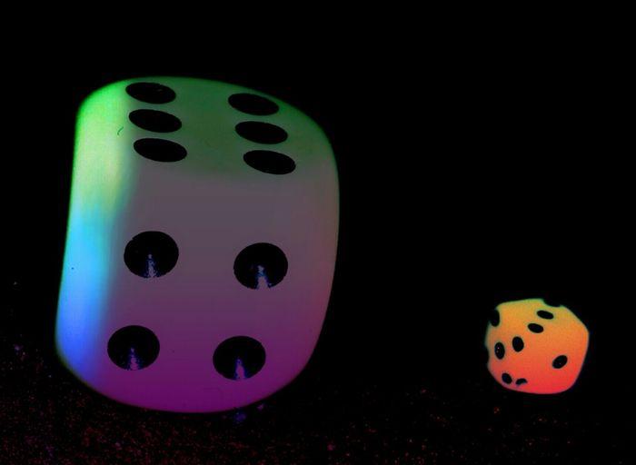 Gegensätze ... opposites :-) Würfel  Cubefotografie Cubes & Light Cubes Cube Gegensätze Opposites Colorful Farbenfroh Taking Photos Beliebte Fotos Eyeemphotography Check This Out EyeEm Hello World The Week On Eyem EyeEm Gallery Eyeem Market I Like It Neon Life The Creative - 2018 EyeEm Awards