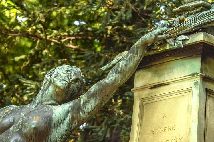 Paris Jardinduluxembourg Luxembourggarden Art Sculpture Verdatre Verdaitre Bronze Matière Bronzematter Oeuvre Work Monument Eugenedelacroix Aimejulesdalou Girl Femme Close-up Statue Sculpted
