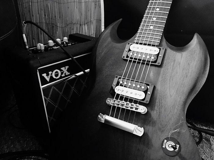 Guitar Guitare Musique Art Guitarist Guitar Player Blackandwhite Noir Et Blanc Instagood Instamood