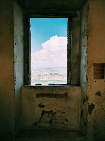 fantastico Italy Basilicata Craco Urbex Window Sky Architecture Cloud - Sky Weathered Worn Out Ruined Old Ruin Broken Abandoned Peeled Rusty Looking Through Window Run-down Bad Condition Damaged Settlement Peeling Off Deterioration