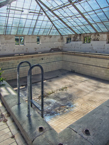 Damaged Light Weathered Sanatorium Hospital Pool Ladder Berlin Architecture Abandoned Places Hohenlychen Decay Ruin Glass Roof Interior Deterioration Run-down Texture #urbanana: The Urban Playground