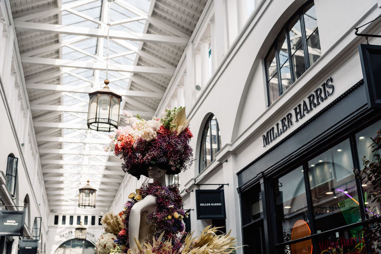 Fleurs de Villes Floral Couture Installation in Covent Garden Market Building. Architecture Built Structure Day Luxury Couture Fashion Blossom Springtime London Uk England Covent Garden  Covent Garden Market Floral Fleurs Landmark Extravaganza Shopping Artist Flower Building Exterior Flowering Plant Plant Low Angle View Nature Building Outdoors City Freshness No People Glass - Material Vulnerability  Fragility Growth Ceiling Flower Arrangement Bouquet Bunch Of Flowers