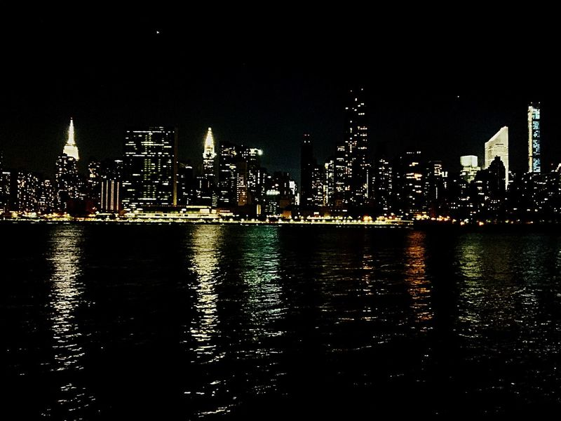 Queens Enjoying The View Peirs Manhattan Skyline Enjoying The Night Water Reflections FDR Drive