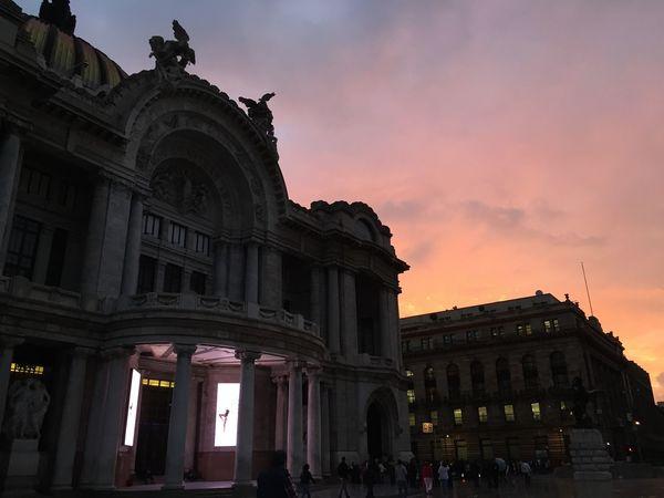 Museo Bellas Artes Da Vinci Miguel Angel  Dawn Of A New Day Amanecer viaje al DF con mi mejor amigo 😍