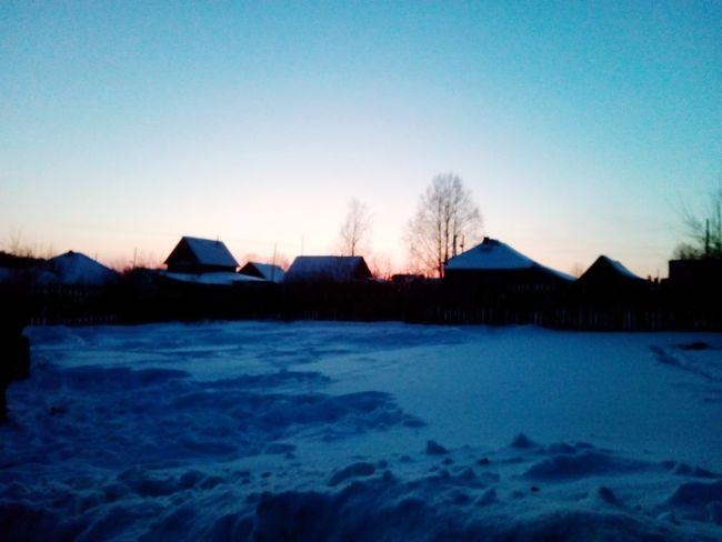 вечер Закат лепота красоь зима мороз Sky Nature Snow Cold Temperature Blue Clear Sky First Eyeem Photo