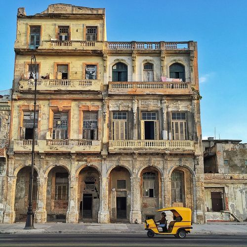 Taxi ? Cuba Colonial Architecture Havana EyeEm Best Shots Lemon By Motorola