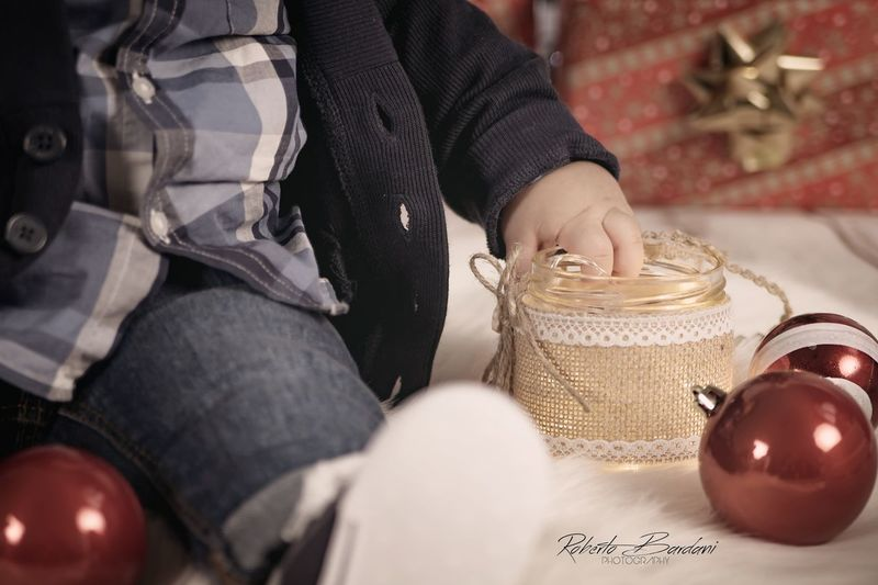 Baby Photography - Christmas Set New Born New Born Photography Family Maternity Baby Babyhood Maternity Photography Bokeh Roberto Bardani Photography Pentax PENTAX KS-1 Chrisytmas Decoration Christmas Christmas Set Human Hand Low Section Portrait Preparation  Close-up