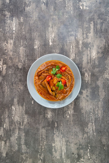 Food Bowl Food And Drink Freshness Ready-to-eat Wellbeing Indoors  Italian Food Pasta Healthy Eating Vegetable No People Directly Above Studio Shot Herb Table Wood - Material Meal Meat Garnish Crockery Tomato Sauce Vegetarian Food