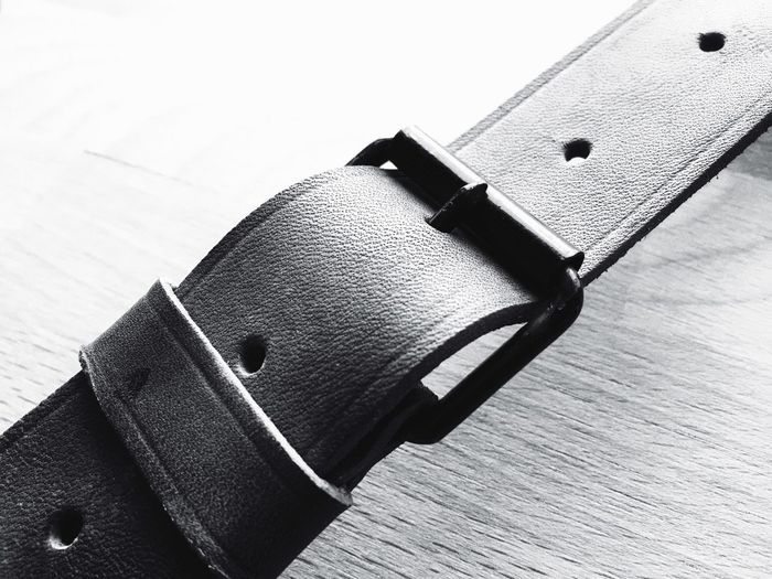 Connection Link Linking Leather Belt  Leather Belt Buckle Blackandwhite Schwarzweiß Monochrome Black And White Close Up Detail Vintage Minimalism Textures And Surfaces