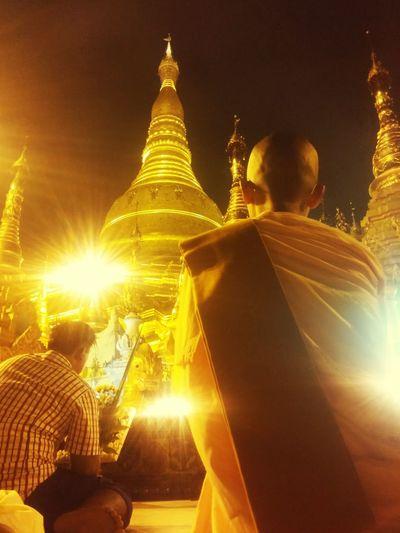 Crowd 👫👪 Feel Peace ☺💭🙇 Golden ShweDagon Pagoda👏🙏 @fullmoon Day Of Thadingyut✨🌕⭐