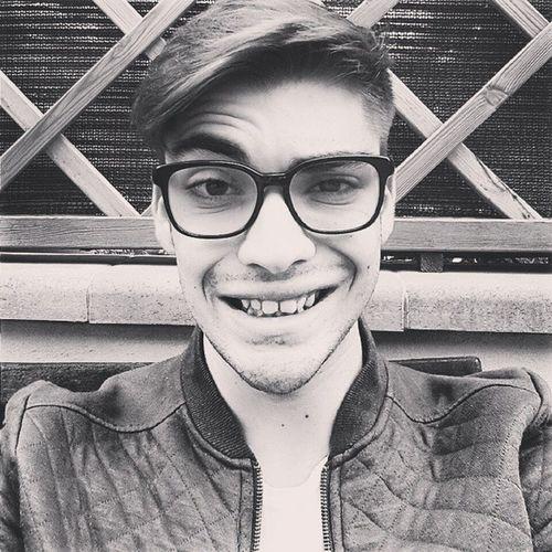 Hi, ma name's Clark Kent Poibasta Selfie Colione Vaialavorare