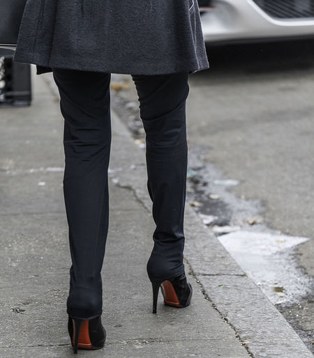 Candid City Life High Heels Louboutin Skinnypants Standing Streetfashion Streetphotography