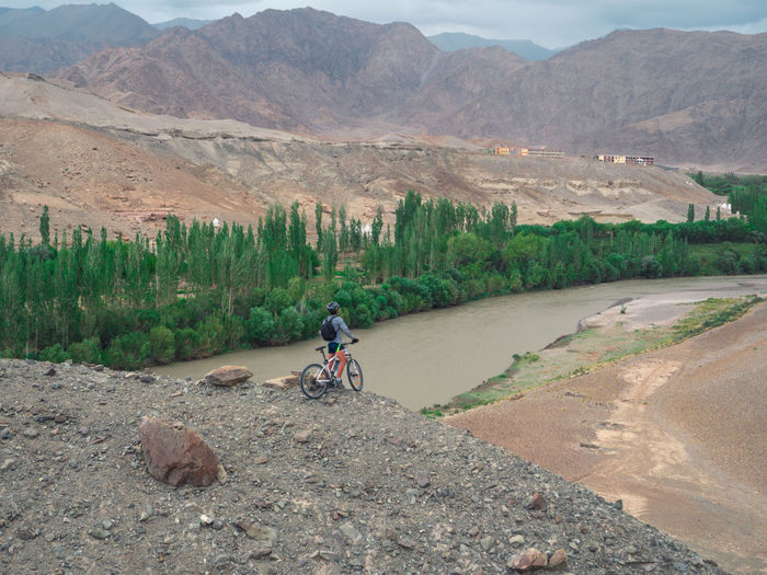 Riverside River View Indus River Landscape Landscape_photography Cycling On The Edge Cliffside Mountain Range Himalayas Ladakhdiaries Ladakh Greenery Leading Lines Outdoor Photography Gh5 Exploring Exploring New Ground Incredible India On Top Of The World Potrait Into The Woods Into The Wild Desert Tree Mountain Rural Scene Agriculture Landscape Sky