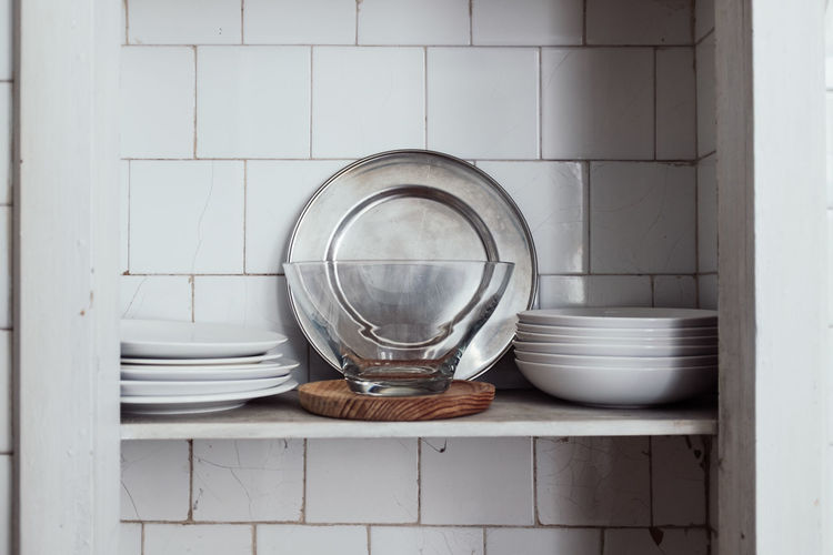 Kitchen Scene Bowl Circle Close-up Container Crockery Day Directly Above Geometric Shape Glass Glass - Material Household Equipment Indoors  Kitchen Utensil No People Shape Still Life Threeweeksgalicia Tile Transparent Wall - Building Feature White Color Wood - Material