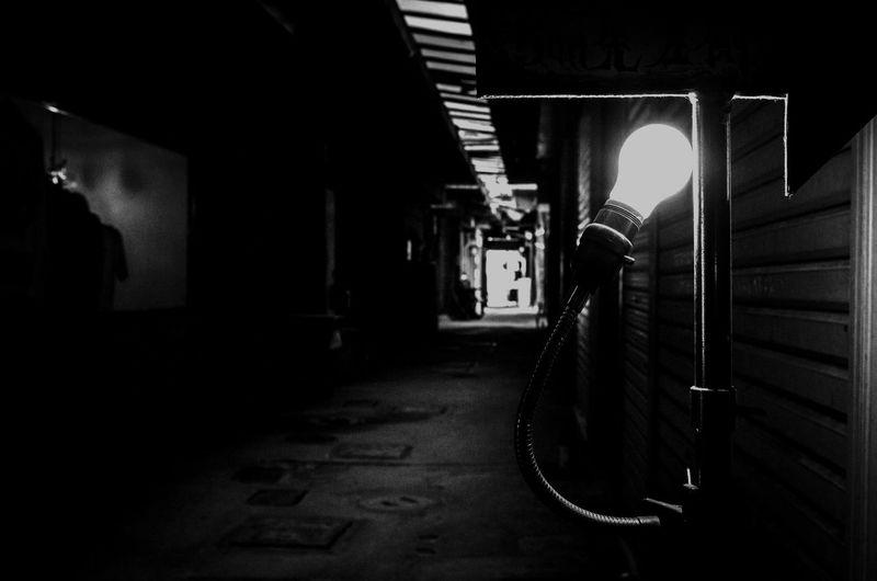 Faint light Black & White Miyazaki, Japan Architecture Black And White Black And White Collection  Black And White Photography Black&white Blackandwhite Blackandwhite Photography Blackandwhitephotography Illuminated No People