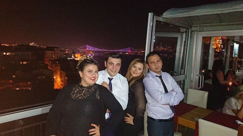 Friends Workout Gun (null)Night Portrait Istanbul Landscape Smiling Lifestyles Nightlife Well-dressed Business Great Goodday Happy
