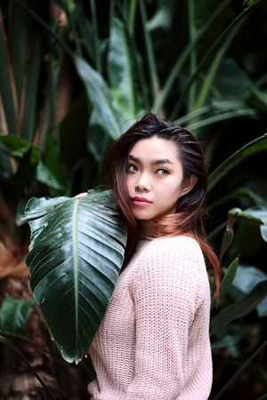 Photo session with Heyna in Florence. Green Indonesian Indonesian Girl Indonesian Photographers Collection Natural Natural Light Nature Nature One Person Plant Portrait Young Women