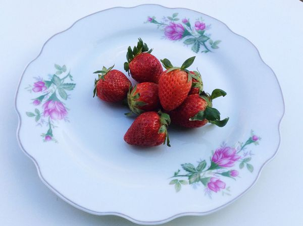 Vintage Close Up White Freshness Fresh Strawberry Red Strawberries Plate