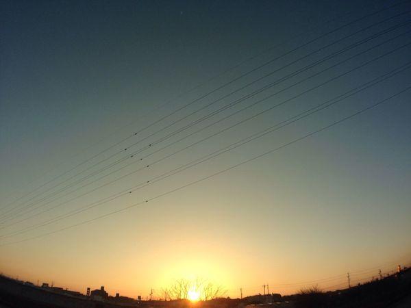 今日の陽はさようなら 夕陽 夕焼け Sunset 空 Sky グラデーション Gradation 電線 Electric Wire