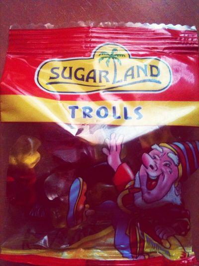 Yo Me Comeré Todos Los Trolls!!!
