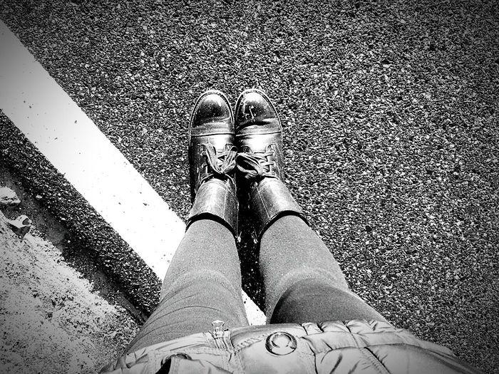 Stretching My Legs Streetphoto Modern Style Walking In The Rain Winter Sun