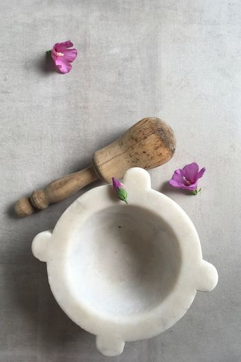 Flower pesto Hibiscus Wood Tools Flatlayphotography Flatlay Mortarboard Ancient Cooking Place Marble Mortar And Pestle Mortar Ancient Craft Flower Flowering Plant Freshness Plant Beauty In Nature High Angle View Nature Pink Color Petal Directly Above No People Still Life Vulnerability  Fragility Day Flower Head Indoors