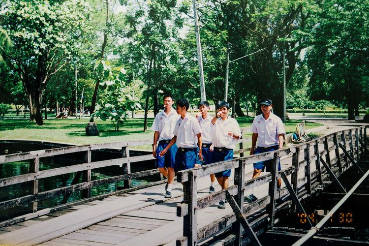 2004 My Student Life School Uniforms Around The World