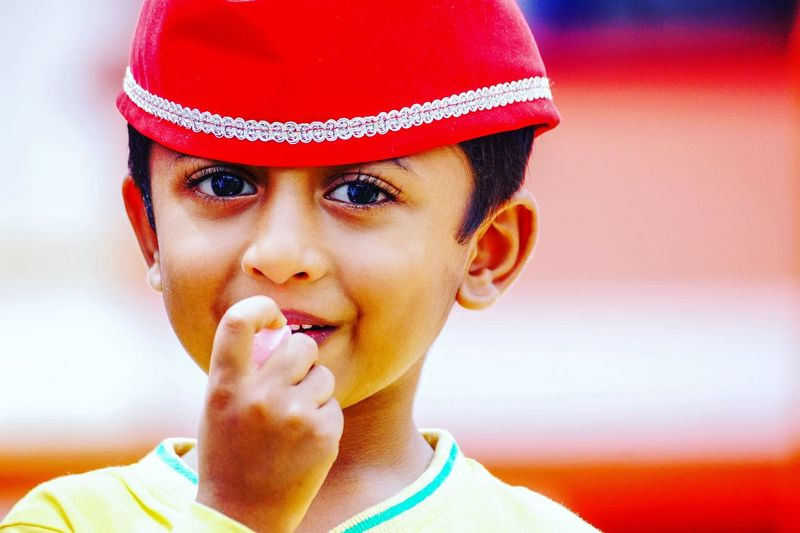 Happy!!! Close-up Human Face Portrait Child Childportrait Happy Portrait Photography Goa Photographers_of_india India_ig Indiapictures Igramming_india Streetsofindia Streetart Streetphotography Colour Of Life Childhood Memories The Portraitist - 2017 EyeEm Awards