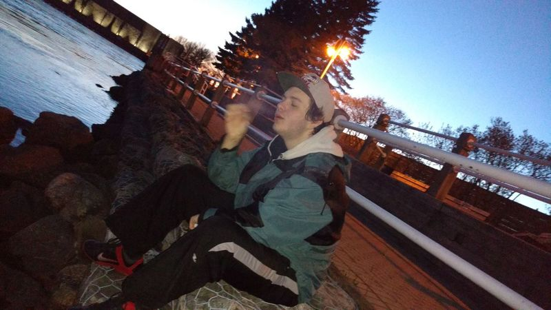 No Filter No Edit Just Photography Hanging Out Taking Photos Relaxing Enjoying Life The Portraitist - 2016 EyeEm Awards Gorgeous Day Scenery Hubby ♥ Photoshoots Smoking Loud  Downtown Sault Ste Marie Ontario, Canada