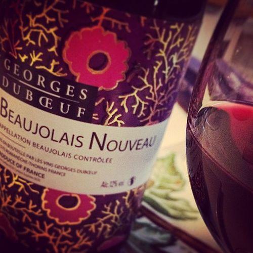 Season. Beaujolaisnouveau Wino