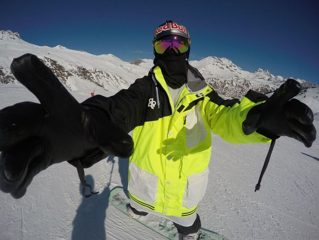 Good morning from the mountain, Formigal, Spain Snow Snowboarding Adventure Nature Mountain Skiing Winter Neon Cold Colors